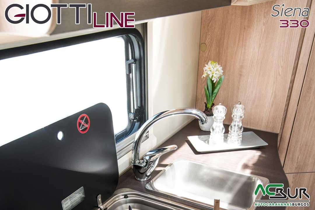 Autocaravana GiottiLine Siena 330 2020 cocina