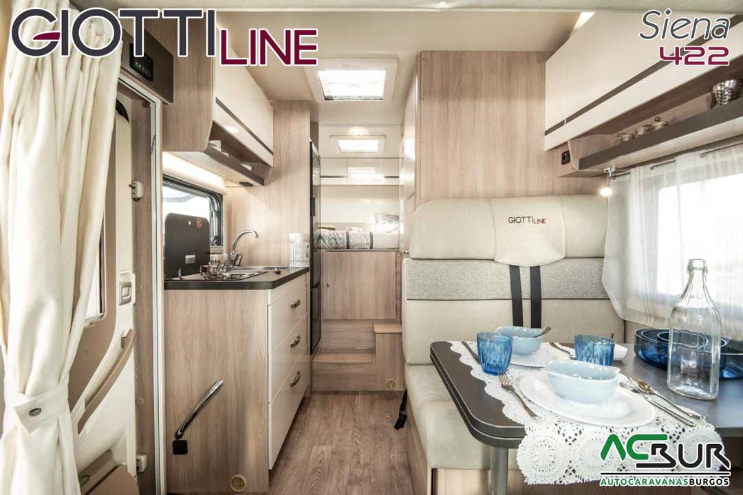 Autocaravana GiottiLine Siena 422 2020 salón