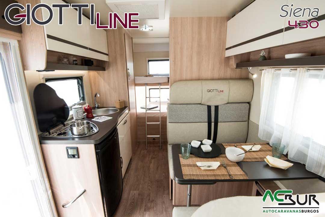 Autocaravana GiottiLine Siena 430 2020 salón
