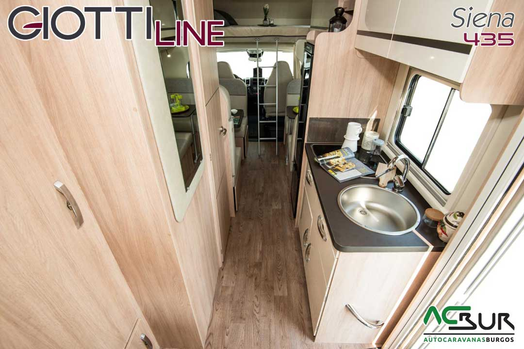 Autocaravana GiottiLine Siena 435 2020 cocina