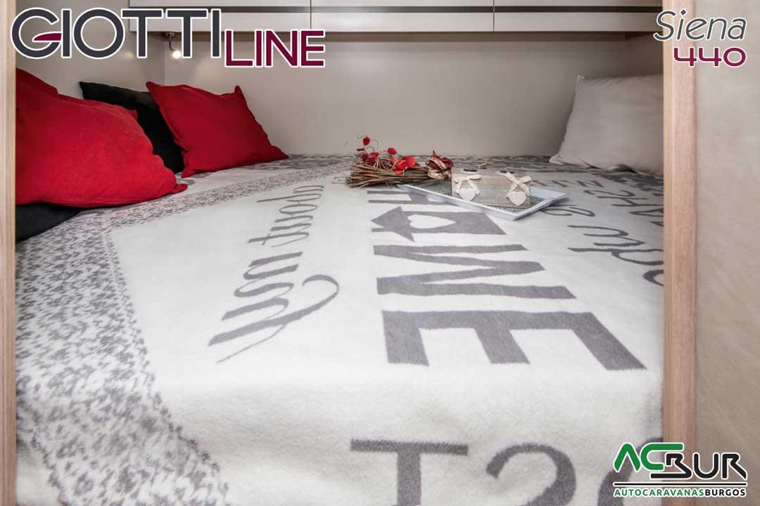 Autocaravana GiottiLine Siena 440 2020 cama