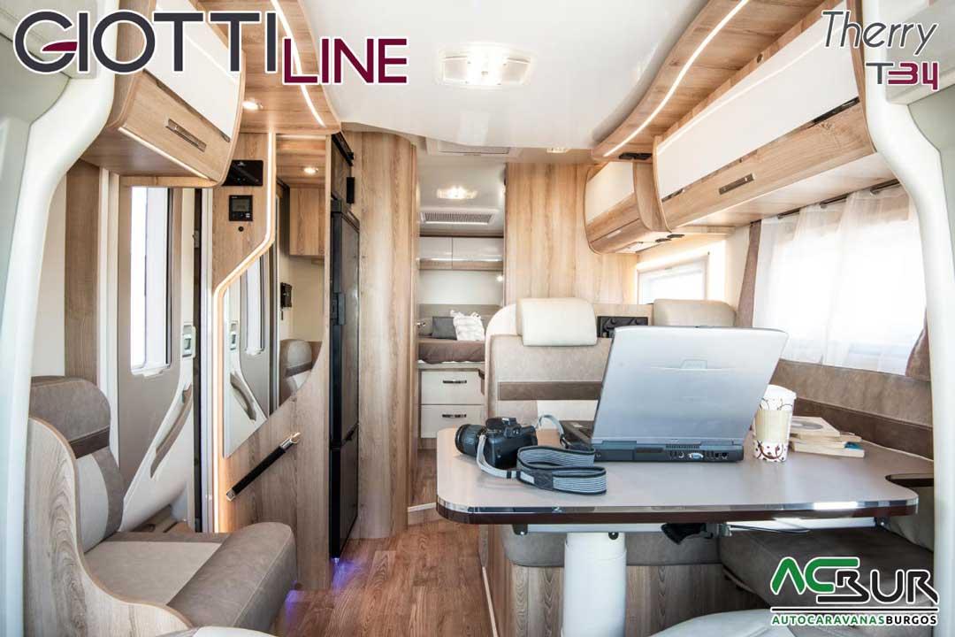 Autocaravana GiottiLine Therry T34 2020 salón comedor