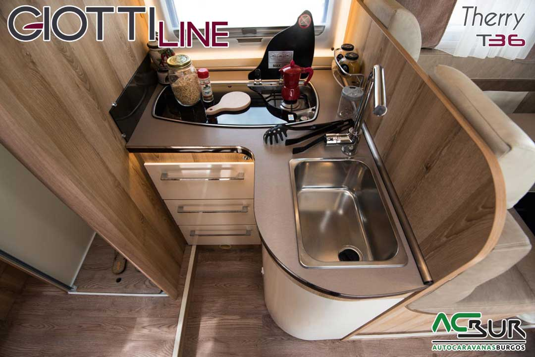 Autocaravana GiottiLine Therry T36 2020 cocina