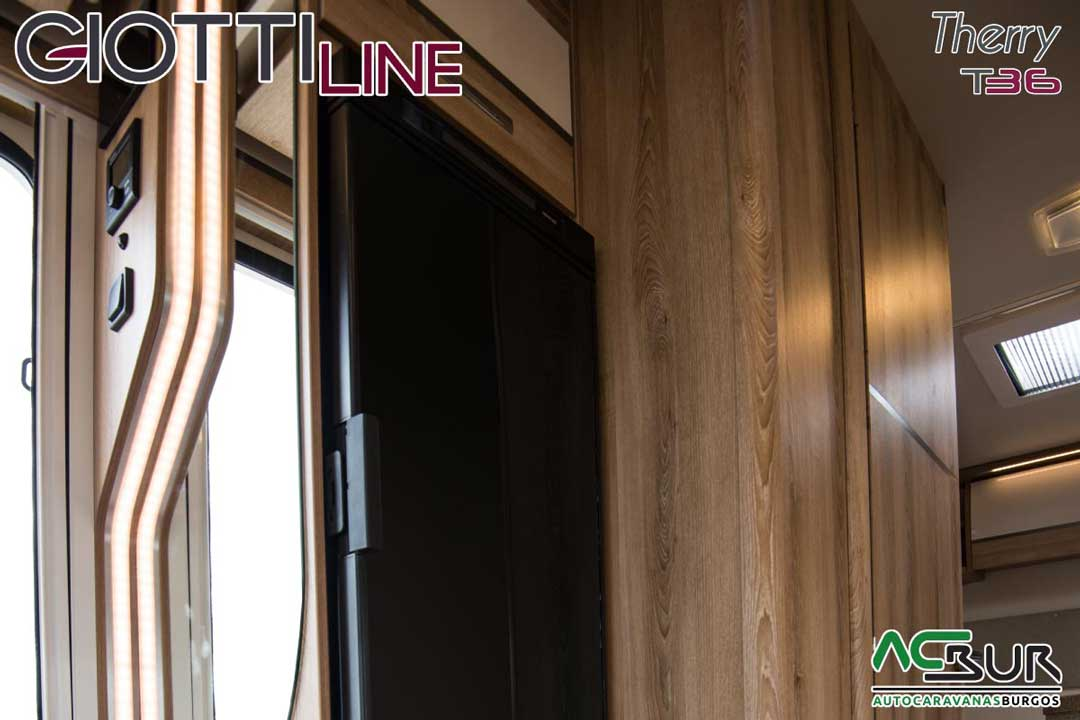 Autocaravana GiottiLine Therry T36 2020 frigorífico