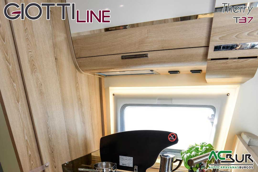 Autocaravana GiottiLine Therry T37 2020 ventanas