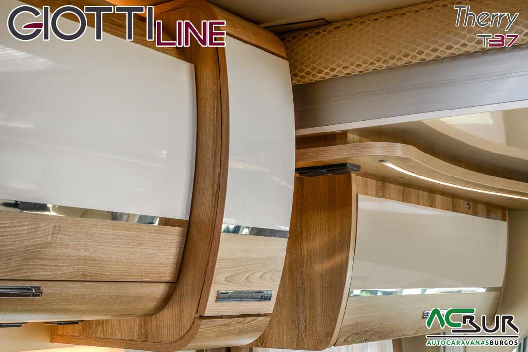 Autocaravana GiottiLine Therry T37 2020 armarios cocina