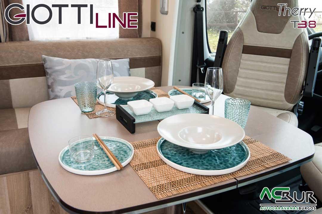 Autocaravana GiottiLine Therry T38 2020 comedor