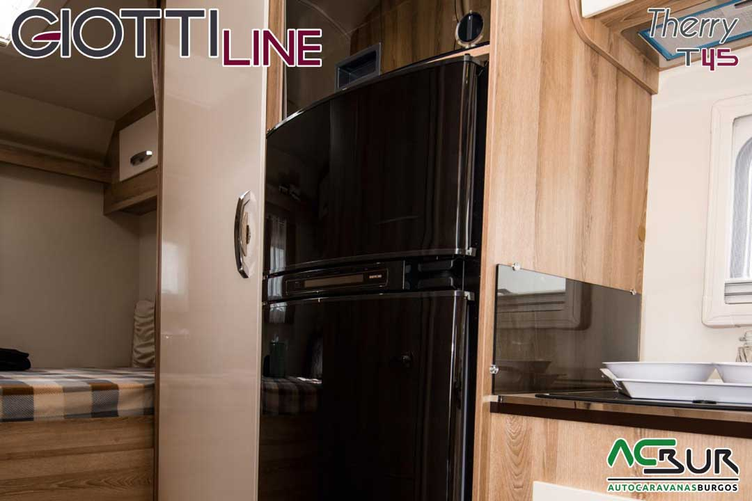 Autocaravana GiottiLine Therry T45 2020 frigorífico