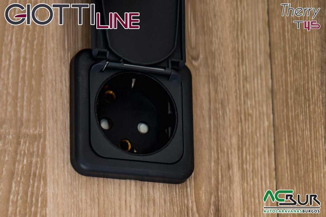 Autocaravana GiottiLine Therry T45 2020 enchufes