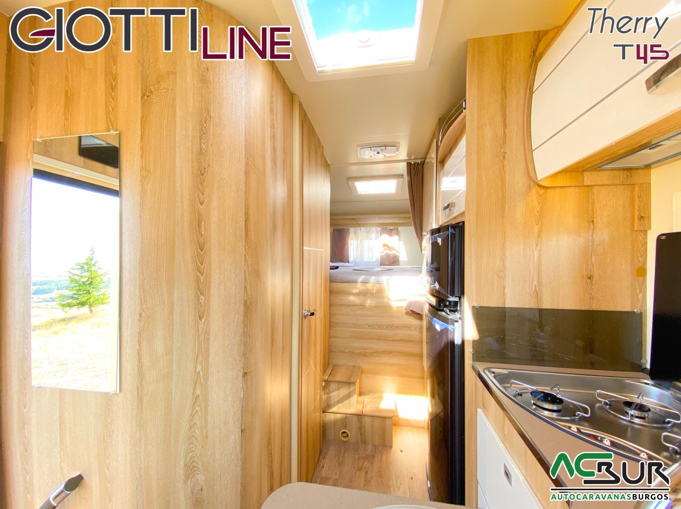 GiottiLine Therry T45 2021 trasera interior