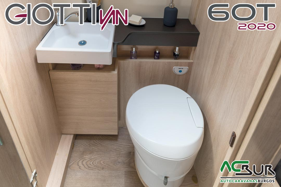 GiottiVan 60T 2020 baño