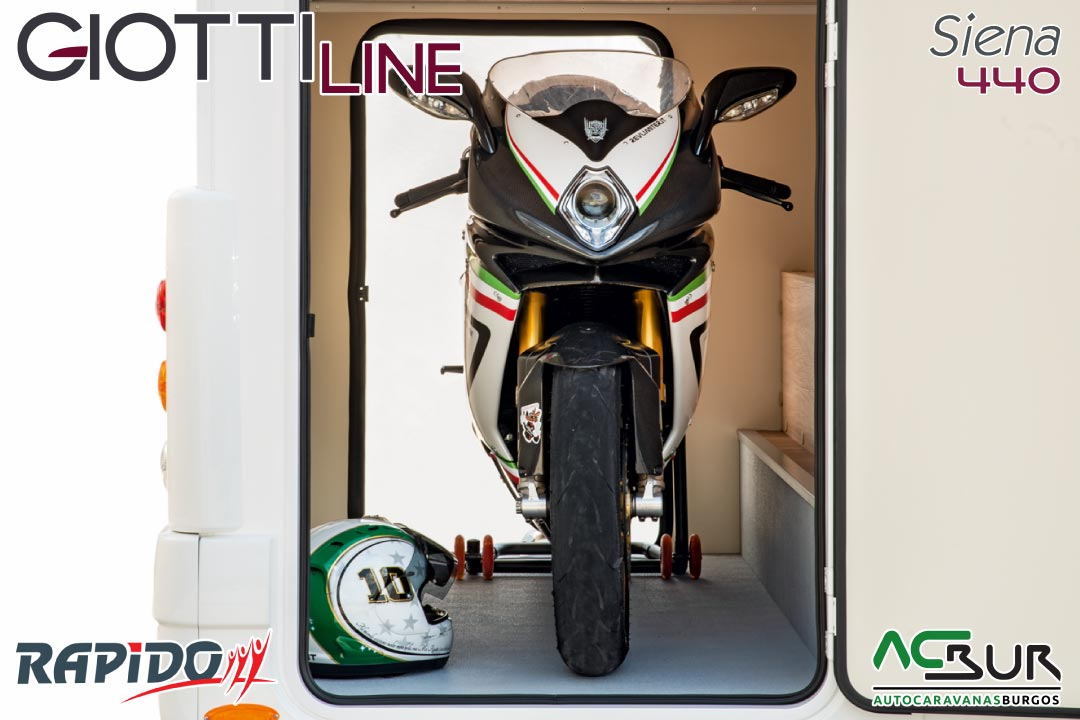 GiottiLine Siena 440 2022 garaje